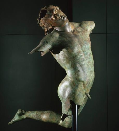 Статуя «Танцующий сатир» древнегреческого скульптора Праксителя