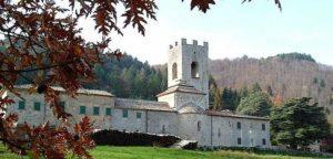 Здание аббатства Badia a Coltibuono. Фото экстерьера здания