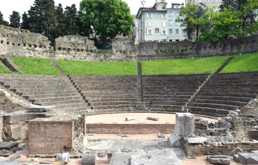 Италия Триест Древнеримский театр