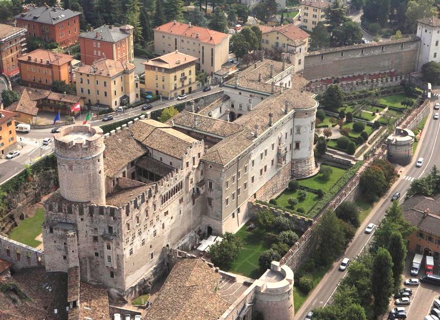 Италия. Замки. Замок Буонконсильо